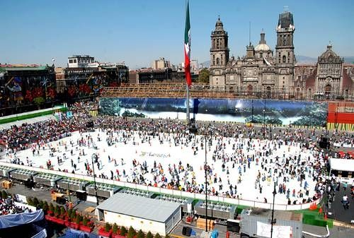 Largest Outdoor Skating Rinkworld record set by Mexico City