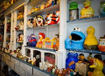 largest collection of cookie jars world record set by Eva Fuchs