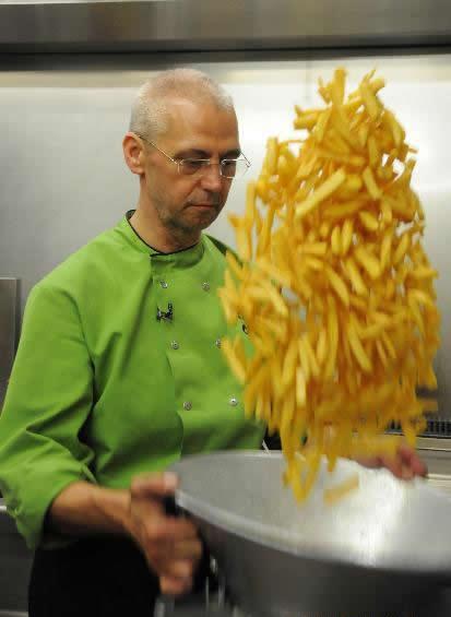 Longest french fries cooking marathon - Chris Verschueren ...