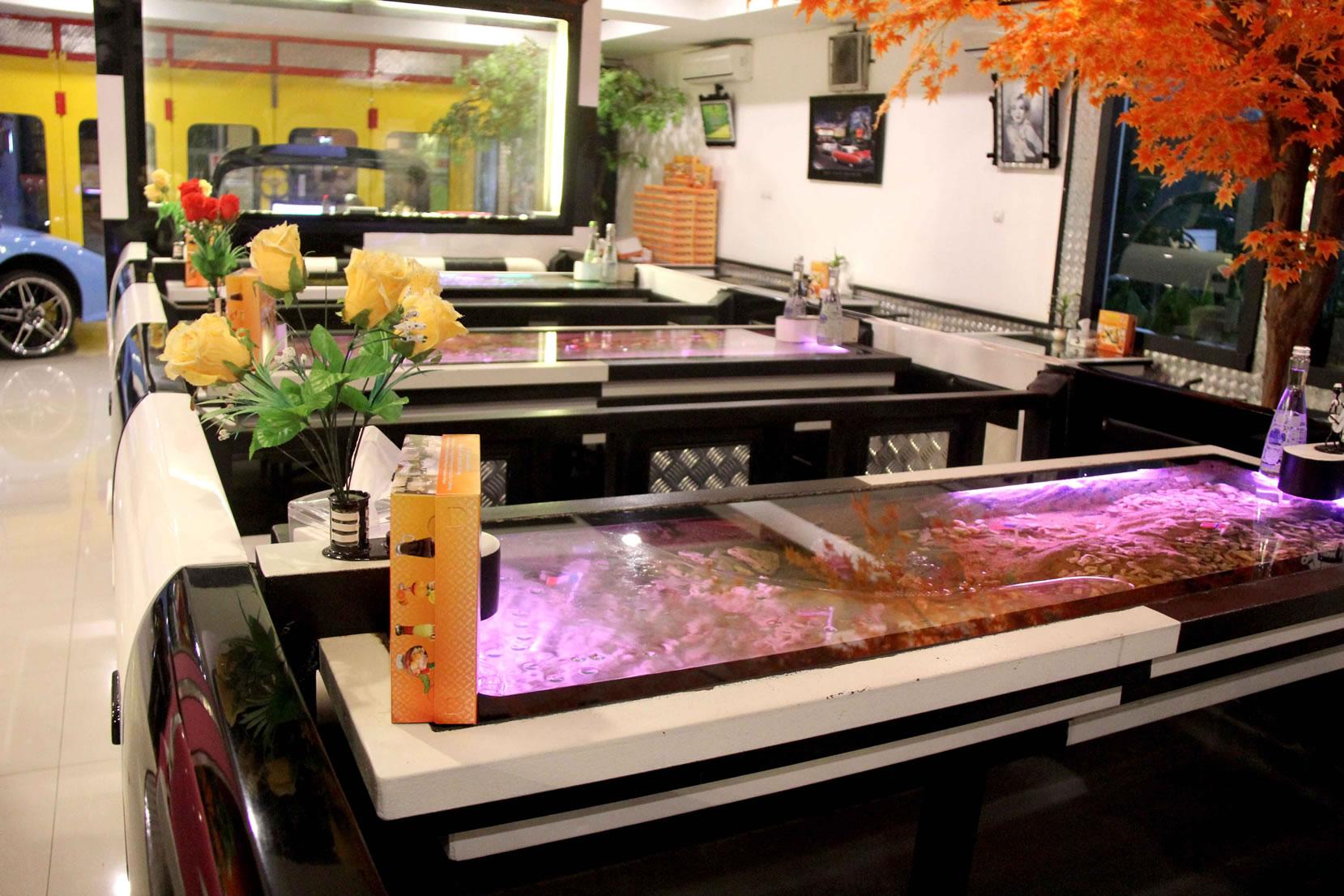 most aquarium cars in a restaurant dream cars restaurant 2 sets world record video