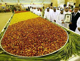 Largest Plate Of Dates Liwa Festival Sets World Record