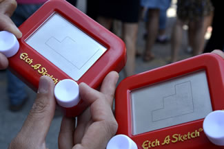 Spin Master employees in Toronto, New York, Los Angeles and Mexico City secured a world record title for Most People Drawing on an Etch A Sketch Globally.