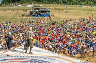 A World Record for the most dreidels spinning at one time was set at the Boy Scouts of America's 2017 National Jamboree. Some 820 dreidels spun simultaneously for 10 seconds at the Summit Bechtel Family Scout Reserve in Glen Jean, West Virginia, breaking the mark of 754 set in Tel Aviv in 2014.