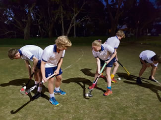The Como Secondary College Hockey Academy staged the world's largest field hockey lesson, an event that attracted 618 participants at Perry Lakes, Floreat and was open to people of all ages and experience levels, according to the World Record Academy.