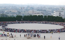 longest human chair world record set in Japan