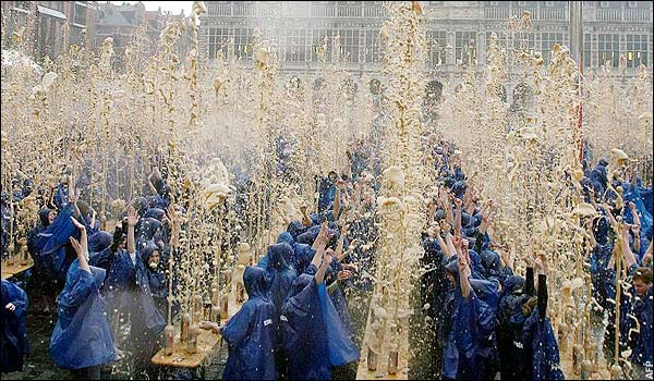 Most Mentos and Soda Fountains-world record set by Belgian students