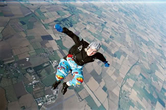 With over 1,000 dives under her belt, Dilys Price holds the World Record for the oldest female skydiver in the world. At 82 years old, she's still diving out of a plane and plummeting to the ground at impeccable speeds.