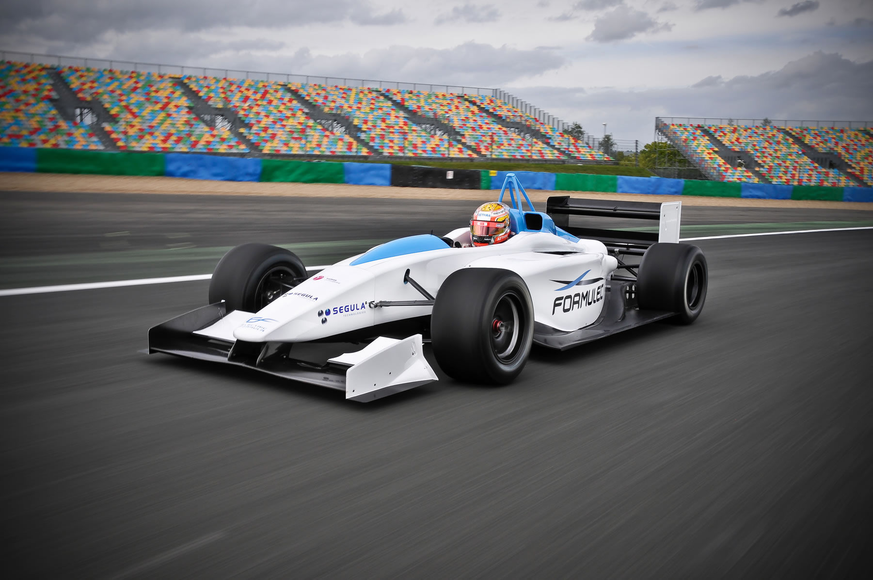 Fastest Electric Race Car The Formulec EF01 sets world record HD