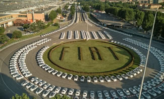 A record-breaking handover: 1,495 Fiat 500 cars were collected in less than two days by the lucky winners of the competition run by Fiat and Italian supermarket chain Esselunga.