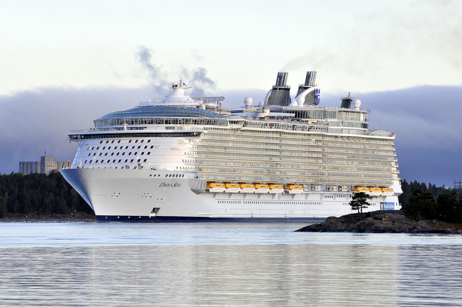 Largest Cruise Shipworld Record Set By Oasis Of The Seas