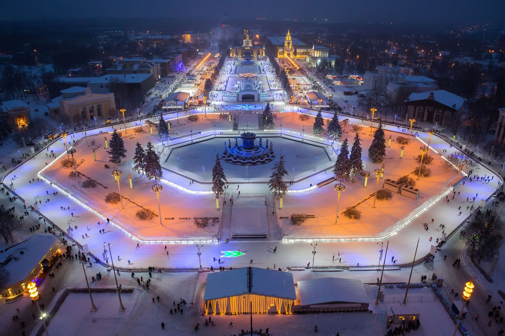 Largest mobile skating rink: Moscow sets world record (VIDEO)